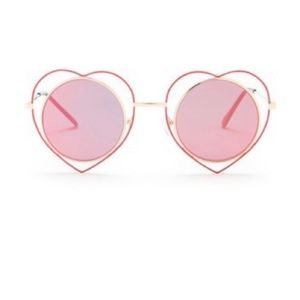 Betsey Johnson Round Heart Frame Sunglasses NWT